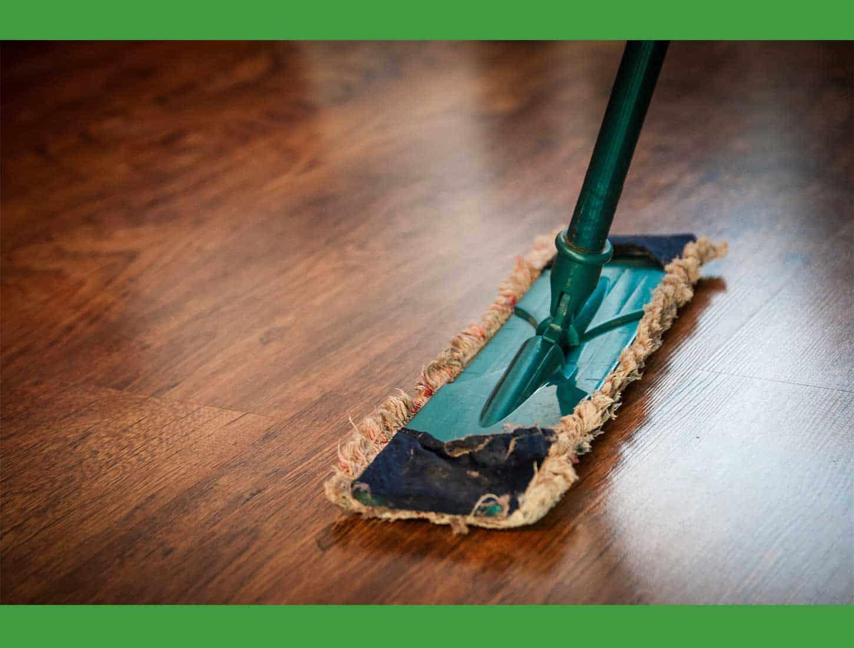 Limpiando-el-suelo.